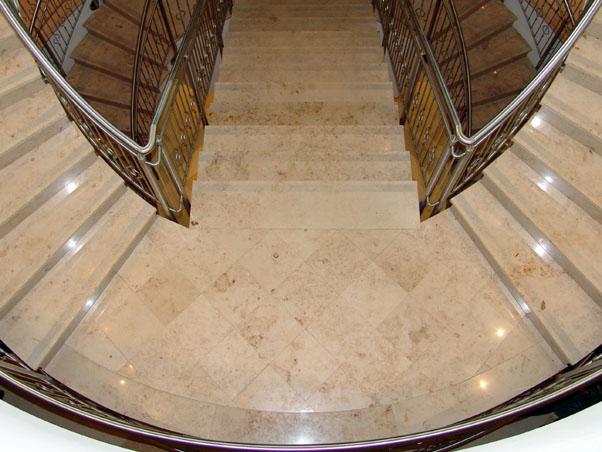 Honed Jura Beige Limestone Treads